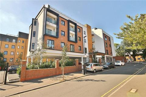 2 bedroom apartment for sale - Grove House, 76 Sidmouth Avenue, Isleworth, TW7