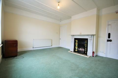 1 bedroom flat to rent - Yarborough Road, East Cowes