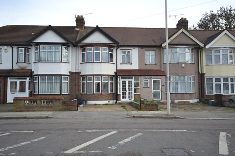 3 bedroom terraced house to rent - Aldborough Road South, Ilford