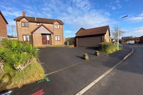 4 bedroom detached house for sale - 16 Llanerch Goed, Llantwit Fardre, CF38 2TB