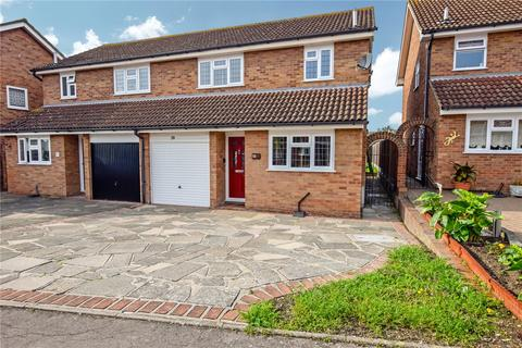 3 bedroom semi-detached house for sale - Ilfracombe Crescent, Hornchurch, RM12