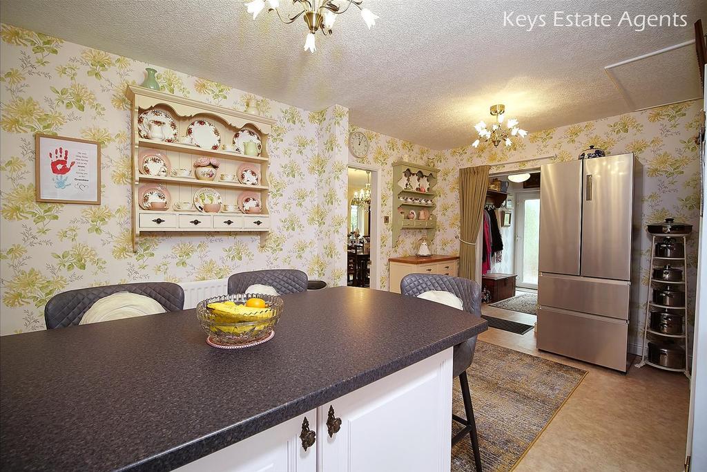 Kitchen Ang3.jpg