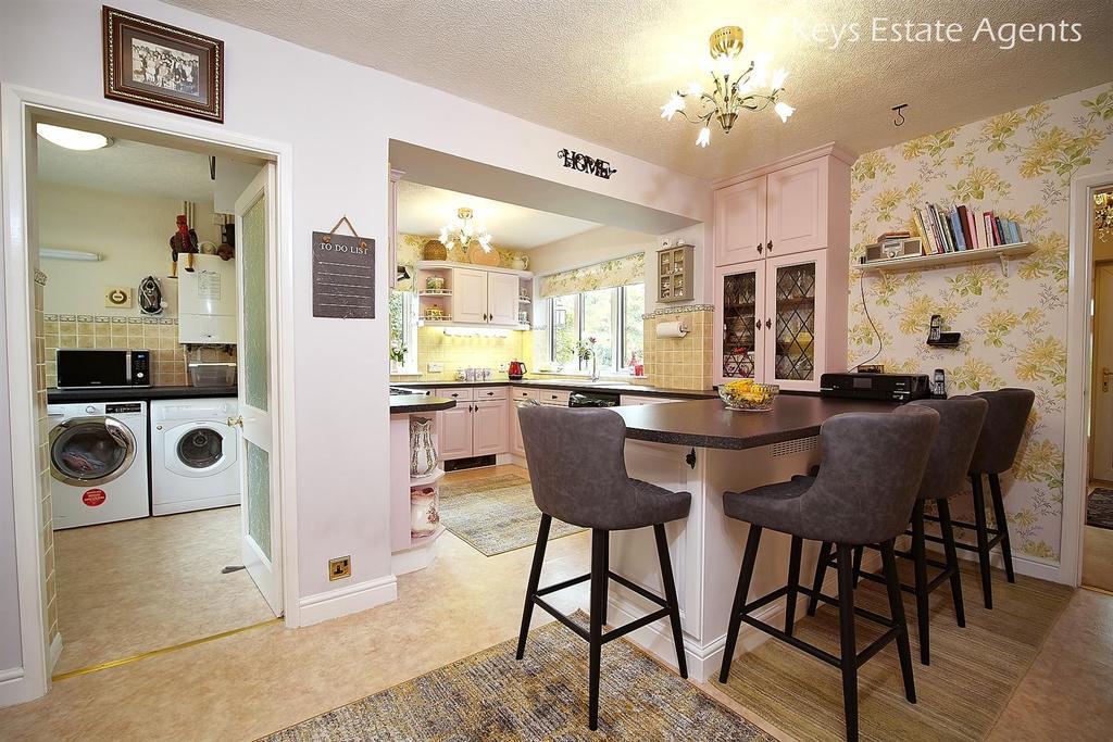 Kitchen Ang1.jpg
