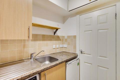 1 bedroom property to rent - Studio apartment in Edgware road