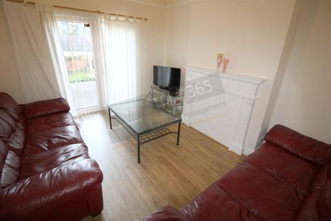 4 bedroom terraced house to rent - *£115pppw*Harlaxton Drive, NOTTINGHAM NG7