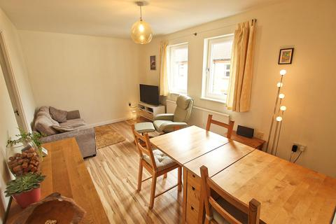 3 bedroom property - Minerva Way, Cambridge