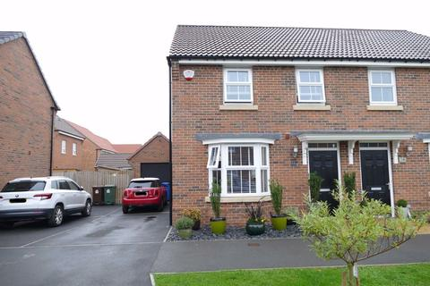 3 bedroom semi-detached house for sale - Hopkin Way, Pocklington