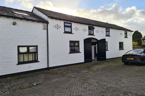 2 bedroom duplex to rent - Benkyhurst Farm, Benkyhurst Lane, MOBBERLEY