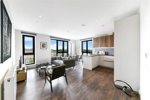 3 bedroom flat to rent - Tillermans Court, Grenan Square, Greenford, UB6