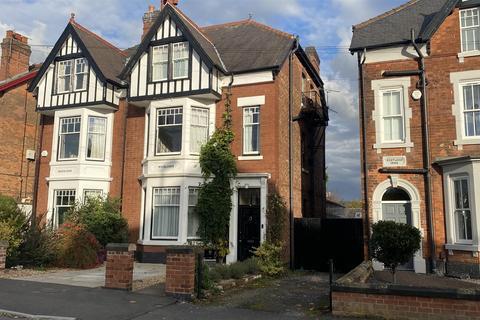 6 bedroom semi-detached house for sale - Belper Road, Derby