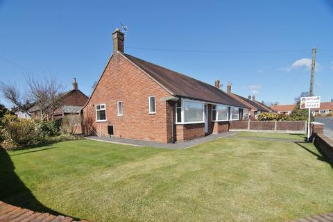2 bedroom semi-detached bungalow to rent - Avalon Drive, Freckleton, PR4 1PE