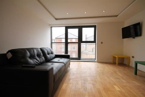 4 bedroom apartment to rent - Falconars House, City Centre