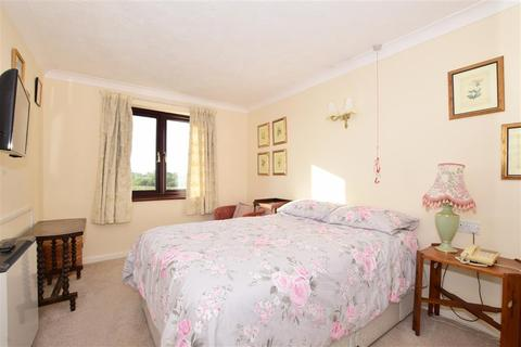 2 bedroom flat for sale - Station Road, Pulborough, West Sussex