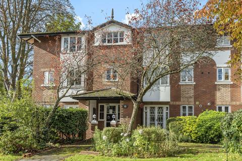 2 bedroom flat - Beechwood Grove, Acton