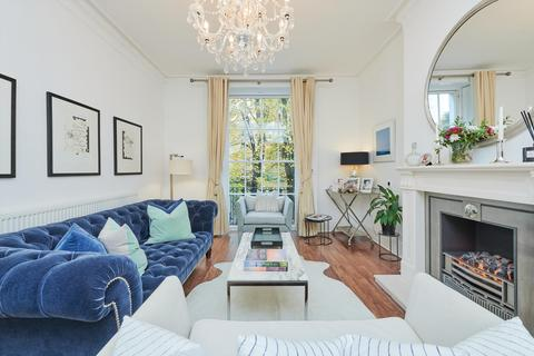 4 bedroom detached house to rent - Cavendish Avenue, St John's Wood, London, NW8