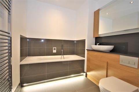 2 bedroom flat to rent - William Mundy Way, Dartford, DA1 5WW