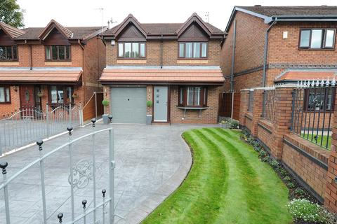 3 bedroom detached house for sale - 3 Shearwater Gardens, Eccles M30 7NH