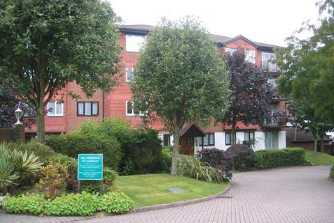 2 bedroom flat to rent - Great Heathmead, Haywards Heath RH16