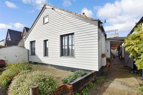 3 bedroom bungalow for sale - Yapton Lane, Walberton, Arundel, West Sussex