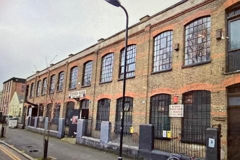 Warehouse to rent - Hackney, E9