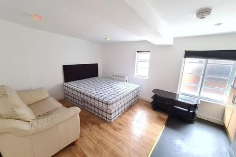 Studio to rent - Pocklingtons Walk, Leicester