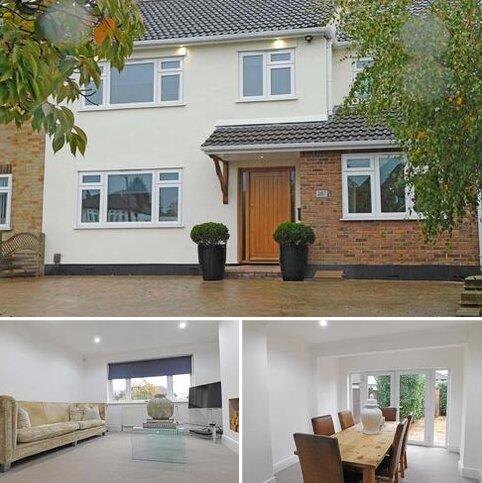 4 bedroom semi-detached house for sale - Corbets Tey Road, Upminster, Essex RM14