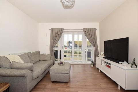 2 bedroom ground floor flat - Godinton Road, Ashford, Kent