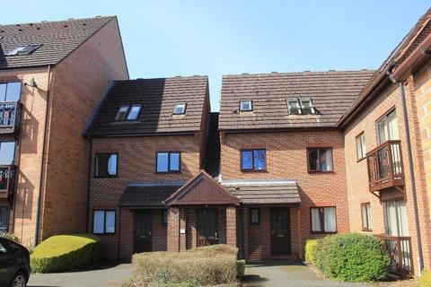 2 bedroom flat to rent - Peter James Court, Astonfields Road, Stafford, Staffordshire, ST16 3YU
