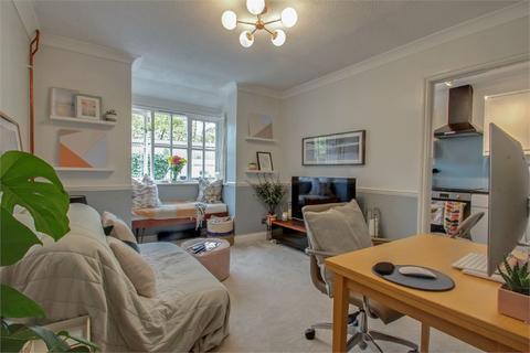 1 bedroom semi-detached house to rent - Old Fives Court, Burnham, Buckinghamshire