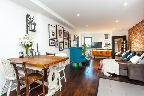 2 bedroom flat to rent - BICYCLE MEWS, SW4