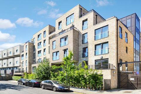 1 bedroom flat - Newton Court, Bow E3