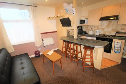 1 bedroom flat to rent - The Promenade,  Blackpool, FY1