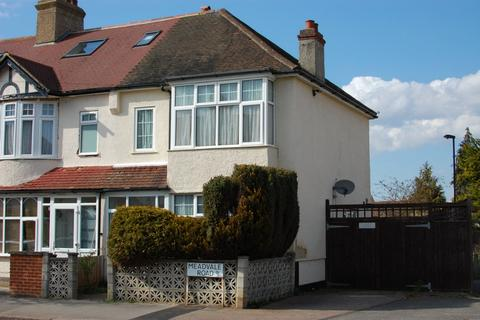 3 bedroom end of terrace house to rent - Meadvale Road, Addiscombe, CR0