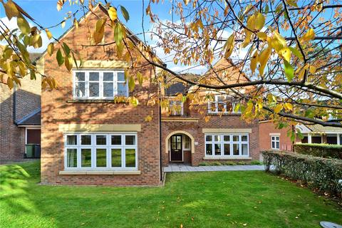 4 bedroom detached house for sale - Water Mead, Chipstead, Coulsdon, Surrey, CR5