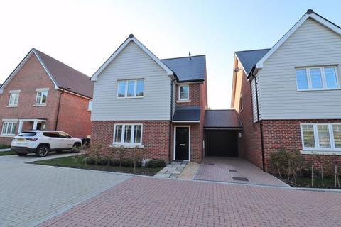 3 bedroom detached house for sale - Partridge Close, Burgess Hill, West Sussex