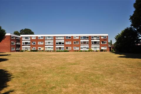 2 bedroom apartment for sale - Penton Court, Jamnagar Close, Staines-Upon-Thames, Surrey, TW18