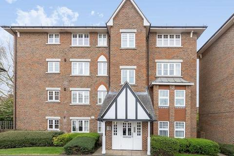 2 bedroom flat to rent - Fawcett Close, Streatham, London, SW16 2QJ
