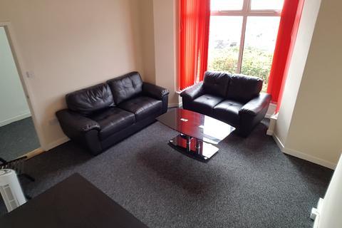 2 bedroom flat - Chaddesley Terrace, Mount Pleasant, Swansea