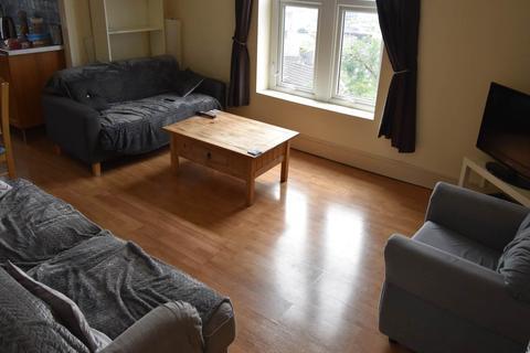 3 bedroom flat to rent - Chaddesley Villas, Cromwell Street, Mount Pleasant, , Swansea