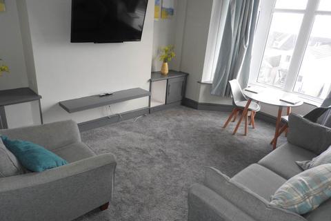 1 bedroom flat - Montpelier Terrace, Ffynone, Uplands, , Swansea