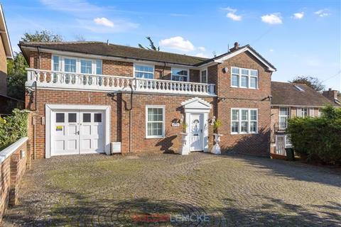 5 bedroom detached house for sale - Woodland Drive, Hove
