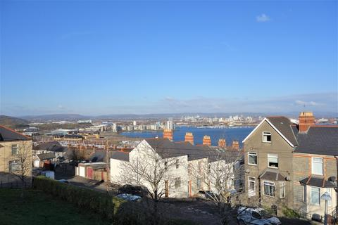 3 bedroom townhouse - Coronation Terrace, Penarth,