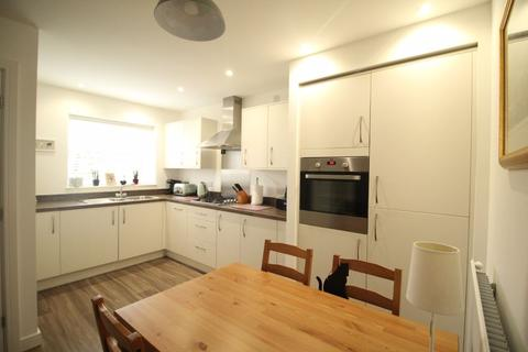 3 bedroom semi-detached house for sale - Victoria Road West, Hebburn