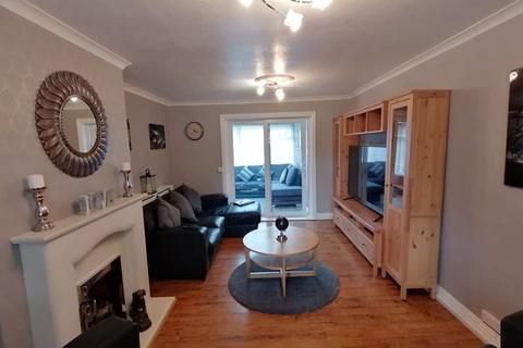 3 bedroom semi-detached house for sale - Mountbatten Avenue, Hebburn