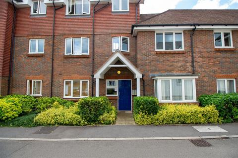 2 bedroom flat to rent - Princess Court, Gordon Road, Haywards Heath