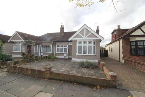 2 bedroom semi-detached bungalow for sale - Mansfield Gardens, Hornchurch