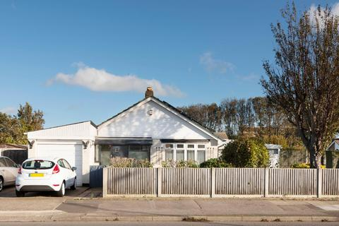 3 bedroom detached bungalow for sale - Fairfield Road, Broadstairs