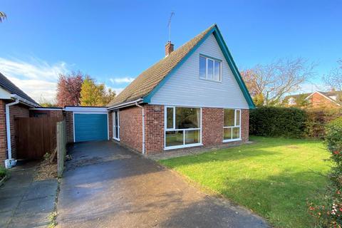3 bedroom detached house for sale - Waterside Close, Bourne