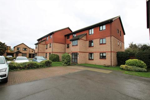 2 bedroom apartment for sale - Holmlea Walk, Datchet, Slough