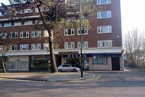 3 bedroom flat to rent - STUDENT THREE DOUBLES BOURNEMOUTH